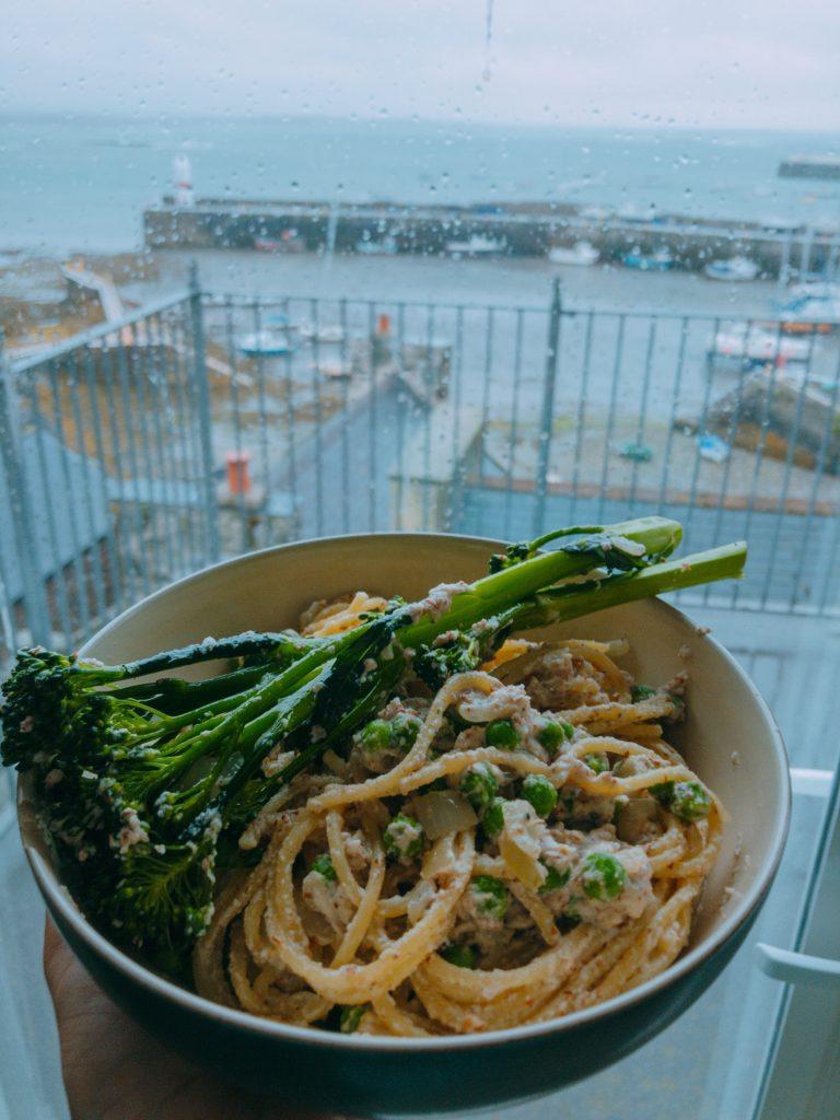 No 4 Easy Vegan Recipe: Carbonara with Roasted Broccoli and Peas